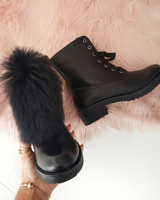 Biker Boots with faux fur