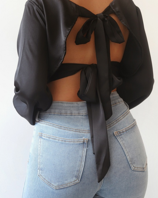 TOP 'LET ME KNOW' IN BLACK