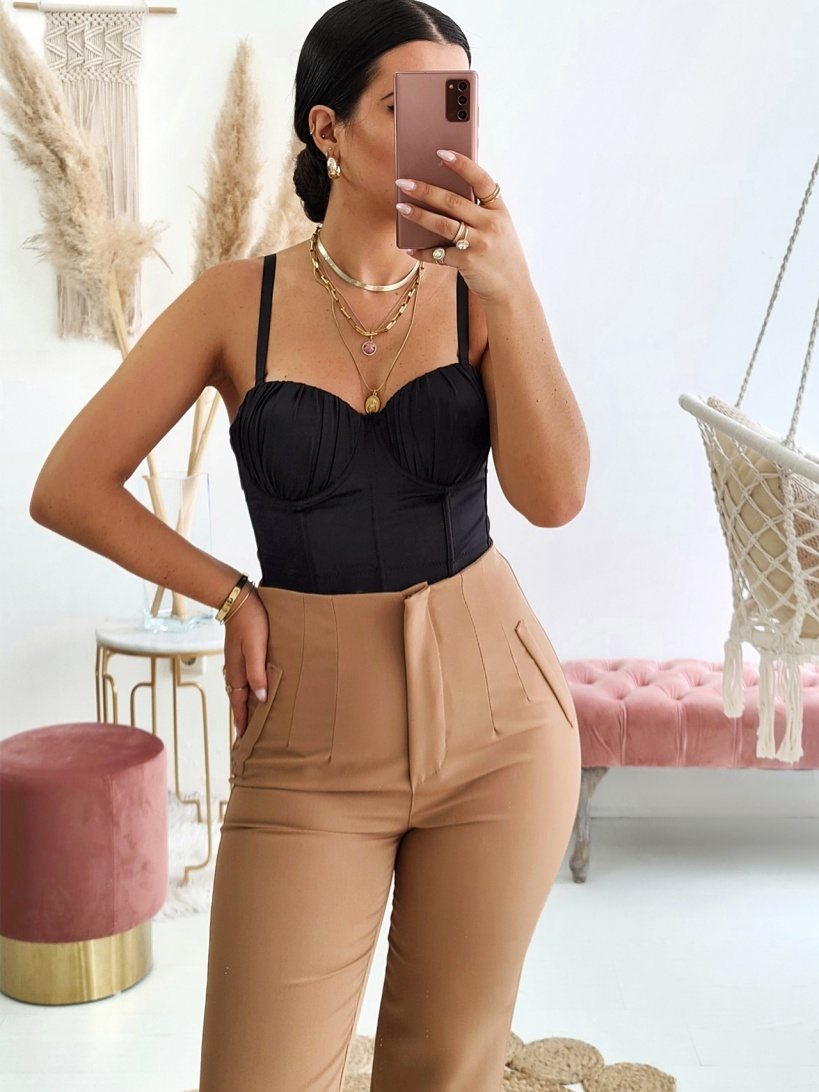 TROUSERS WITH PLEATS  IN CAMEL