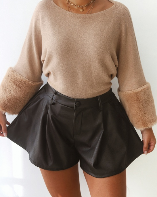 SHORTS 'MYSTERIOUS GIRL' IN BLACK