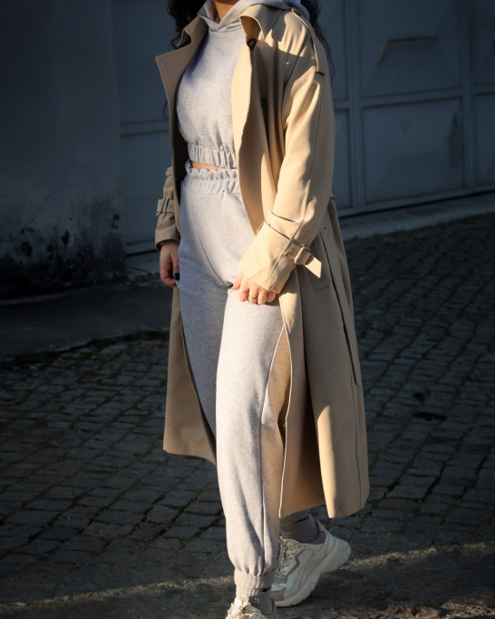 TRENCH COAT IN BEIGE