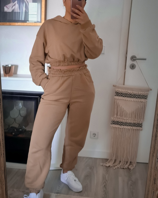 TRACKSUIT WITH HOODIE AND JOGGER IN BEIGE